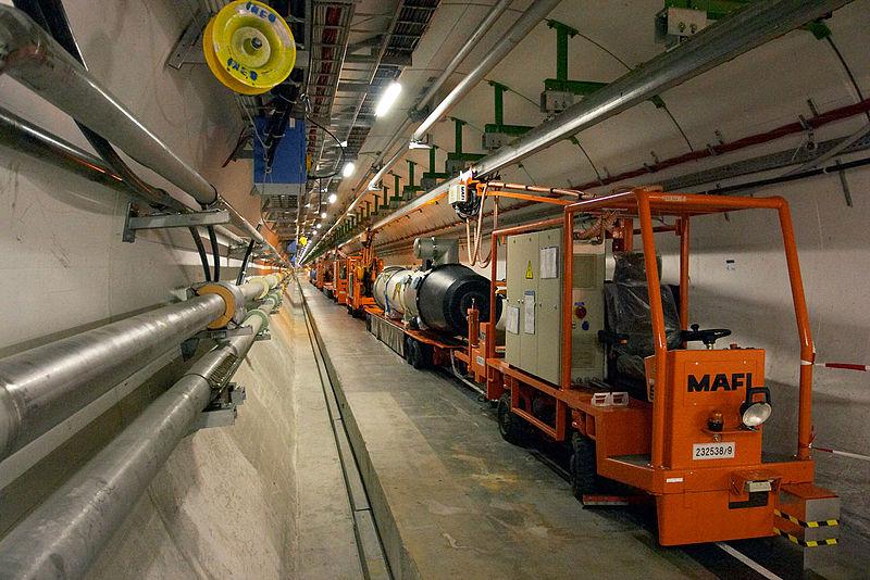 CERN lägger ut 300 terabyte av data